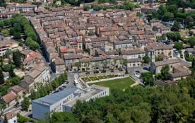 Agréable appartement pour 4 dans village Provençal