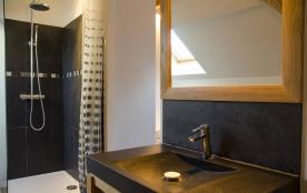 Salle de bain de la chambre Grandjean