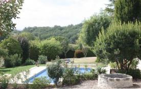 Boutouzet est une belle maison de vacances située à 2 km au nord de Villeneuve sur Lot (Dordogne)...