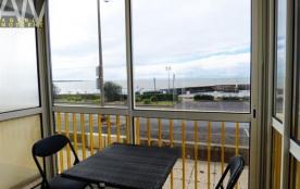 APPARTEMENT face au port de Comberge