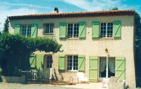 Gîtes de France Gîte dans les vignes La Calade - Maison individuelle au milieu des vignes et au p...