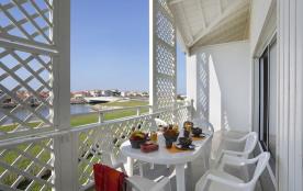 A 50m de la plage et 100m des commerces, appart 4/6 pers dans résidence avec piscines intérieures et extérieures chau...
