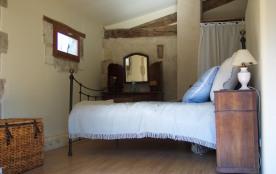 La grande chambre, côté lit