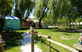 Camping Le Mouliat - Mobil home Willerby, 2 chambres, 4 personnes (1994) 23m²