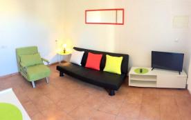 Studio située a 50 metres de la plage avec parking privée
