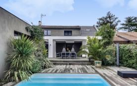 Maison avec piscine entre ville et Médoc