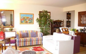 Magnifique appartement de 90 m², au premier étage d'une petite résidence vue mer.