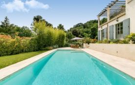 Villa avec piscine sur les collines de Saint-Paul-