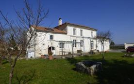 Detached House à JARNAC CHAMPAGNE