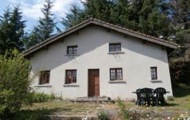 Gîtes de France - Maison indépendante aménagée avec extérieur en lauze, à proximité du propriétai...
