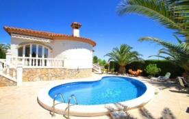 Belle villa accueillante pour 6 personnes, située à seulement 1,2 km de la plage, confortable et ...