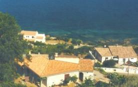 2 appartements de type T2 neufs et indépendants dans villa au bord de mer