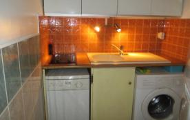 cuisine avec lave linge et lave vaisselle