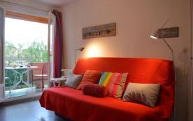 Appartement 2 pièces situé à 600 mètres de la plage de la Favière et des commerces saisonniers.