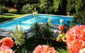 AIX maison+PISCINE PRIVEE 12 m x 11 m + jardin 7200m² paysagé