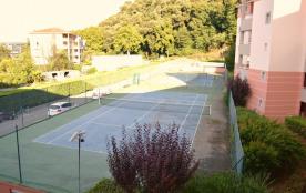 Terrain de tennis, accès gratuit avec badge