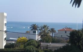 Résidence avec piscine, plage à 100 m, 5 min de Cannes et Juan les pins, wifi