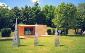 Camping Les Portes Du Beaujolais - Chalet Néva - 24 m² - terrasse (2 chambres)