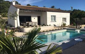 Magnifique maison de standing, jardin clôturé et piscine privée et chauffable, à 30min des plages