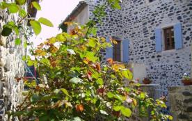 Gîtes de France - Gîte très confortable aménagé au cœur du village de caractère de la Roche datan...