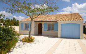 Maison 4 pièces de 77 m² environ pour 8 personnes située dans une impasse du quartier calme des D...