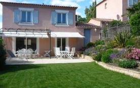 CANNES maison avec jardin au calme 3 chambres cIimatisées 2 salles de bain WIFI Piscine