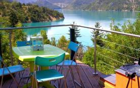 Duplex dans villa près de Castellane-Gorges du Verdon bateau à pédales privé vue magnifique lac de Castillon plage 100m