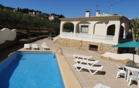 Villa de 6 chambres, piscine privée, wifi, proche d'une plage de sable (450m), supermarché à 200m