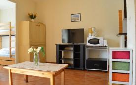 Appartement studio avec cabine de 24 m² environ pour 4 personnes situé à 400 m de la mer et à 600...