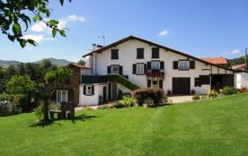 gite 3étoiles au coeur du pays basque avec vue sur collines et campagne - Saint-Esteben