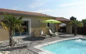 Altéa, à proximité du village de Vallon Pont d'Arc, venez découvrir nos 4 villas de très bon conf...