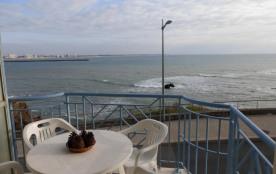 Appartement 2 pièces de 32 m² environ pour 4 personnes situé face mer et à 1 km 500 du centre de ...