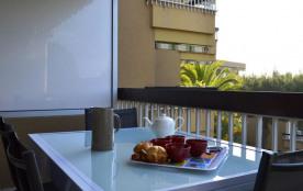 Appartement 2 pièces situé à 600 mètres de la plage de la Favière et des commerces.