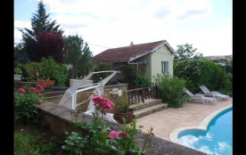 Belle petite maison avec piscine