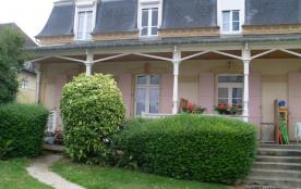 Ravissant duplex, vue mer, rez de jardin avec terrasse   ,plage à 100m,  cadre authentique et calme, site classé.