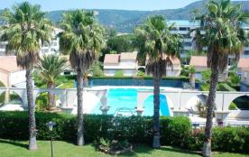 Le Lavandou (83) - Quartier du Grand Jardin - Résidence domaine d'Azur 2. Appartement en duplex T...