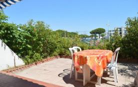 Appartement deux pièces de 48 m² environ pour 6 couchages avec un accès direct à la plage et à de...