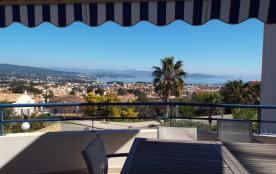 Appartement de Standing T3 (67 m²) Calme, Vue panoramique sur la mer et la baie (tout équipé)