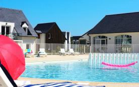 Maisons 4 à 6 personnes dans résidence avec piscine intérieure et extérieure à partir de 129€
