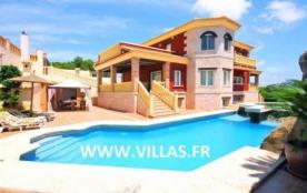 Villa OL Alham - Très belle villa pour 8 personnes avec piscine privée, située à Calpe dans l'urb...