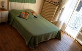 2 ème étage/chambre avec balcon lit 2 personnes