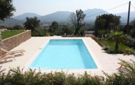 La Gaoute est une magnifique et luxueuse maison de vacances avec une piscine chauffée privée (9 x...