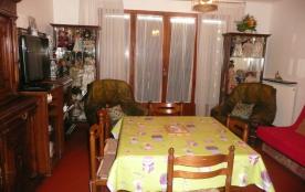 appartement F 2  de 50 M2 en réez de jardin exposé plein sud équipé pour 5 personnes