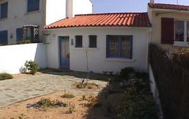 Petite maison individuelle mitoyenne avec terrasse au sud et jardinet devant la maison - Quartier...