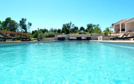Mini-villa dans campagne bonifacienne avec piscine chauffée