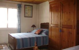 Chambre 2 lits dont 1 de 140cm