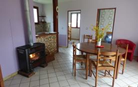 Le salon et coin cuisine