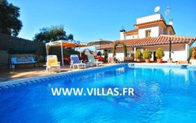 Villa CV Porce - Villa spacieuse dotée d'un aménagement confortable.