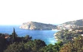 Villa familiale pour 6 personnes située au calme dans la colline avec belle vue sur mer