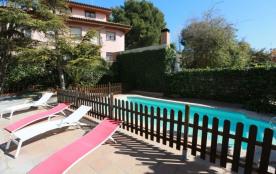 Villa Ciurana, villa Ciurana. Belle villa a 4 chambres avec piscine privée exceptionnellement bie...